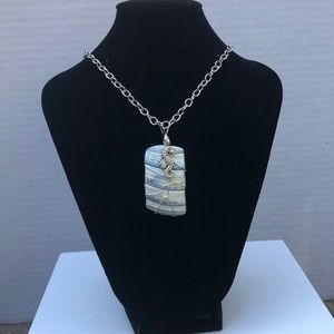 Jewelry - Wire wrapped necklace